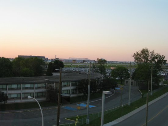 Aloft Montreal Airport: The view