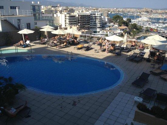 Catalonia Majorica Hotel: Vista piscina dalla camera