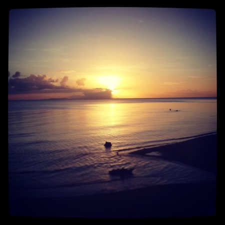 Elysia Beach Resort: Sunset from down at the beach :)