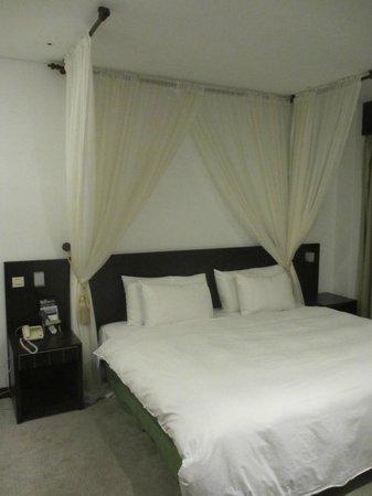 The Loft Seaside Suites : Chambre à coucher