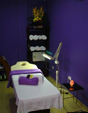 Royal Nick Hotel: Spa treatment room