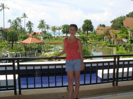 Rawi Warin Resort & Spa: Отельный дворик