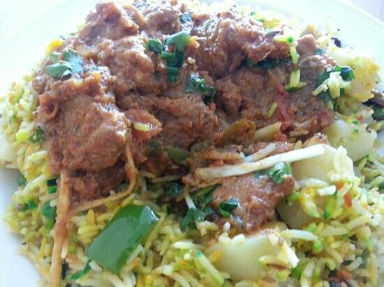 Yadgar Kebab House: Goshat Karahi on Vegetable Rice