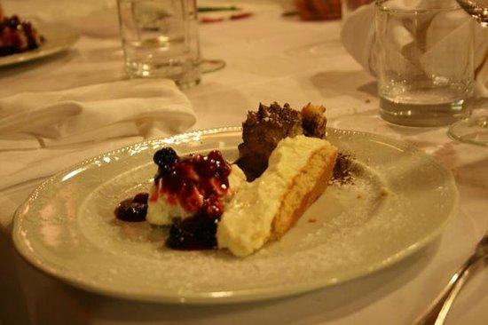 Grotta di Santa Caterina: dessert della casa con prova assaggi: 10 e lode