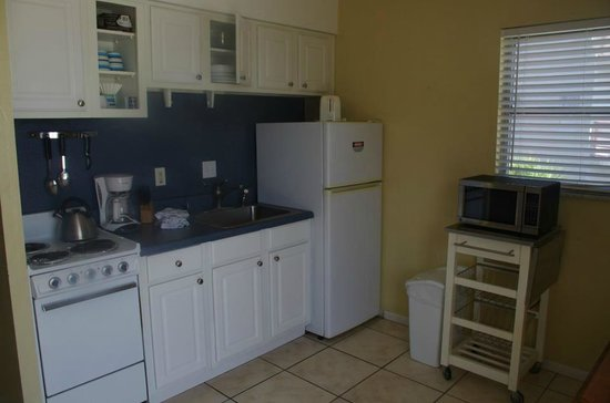Surf Song Resort Townhouse #343 : Our kitchenette