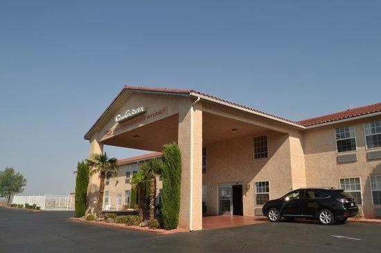 Comfort Inn Zion: Frente