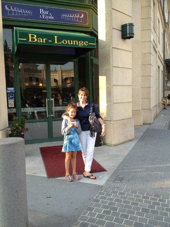 Hotel l'Elysee Val d'Europe: Exterior