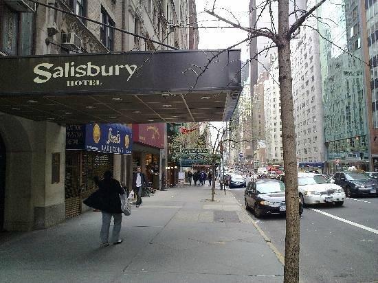 Salisbury Hotel: entrada do hotel