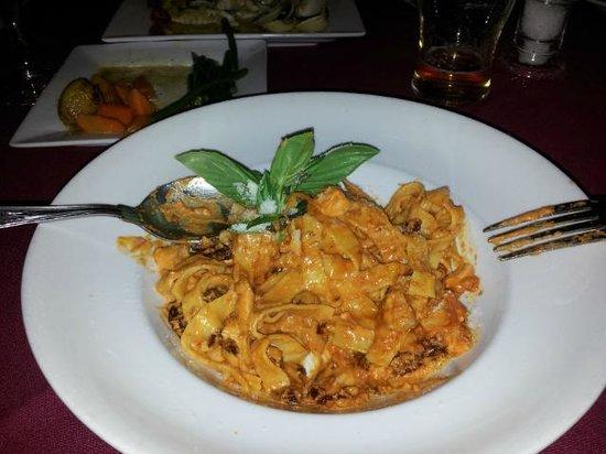 Mamma Rosa Italian Ristorante : Fettuccine al Salmone