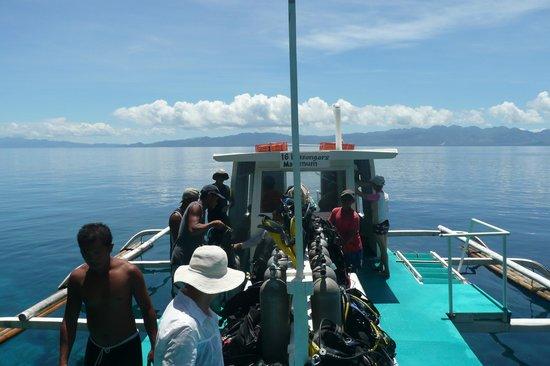Sogod Bay Scuba Resort: Dive Boat