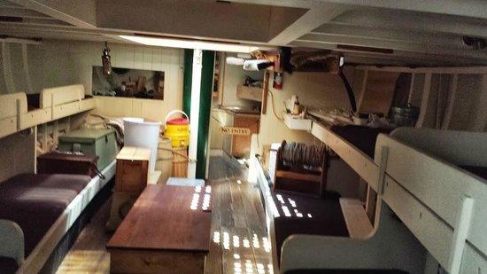 Michigan Maritime Museum: Friends Good Will cabin