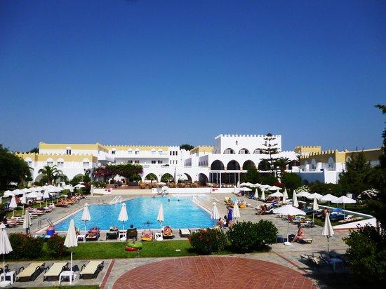 Platanista Hotel: pool view