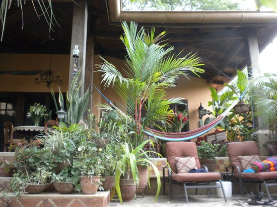 Villa Andalucia Bed and Breakfast: The common area (taken from the pool)