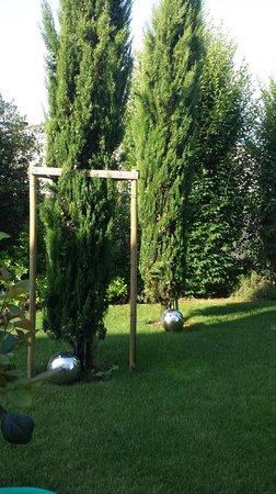 Jardin aménagé - Picture of La Villa Cecile, Vouhe - TripAdvisor