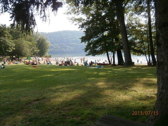 Elite: il lago