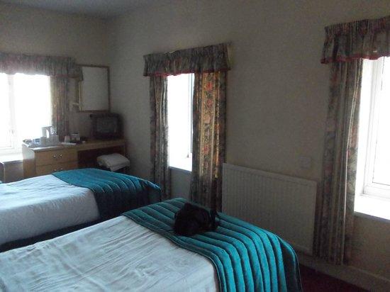 Bay Esplanade Hotel: Twin room