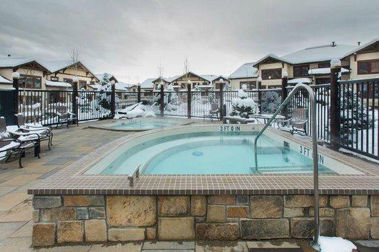 EagleRidge Lodge: EagleRidge Hot Tubs, Winter