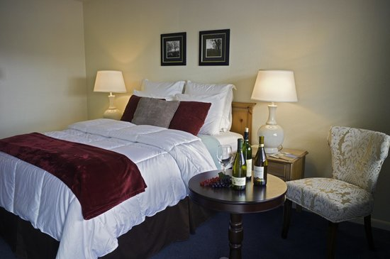 Rogue Valley Inn: Stardard queen bed