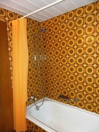 Hotel Restaurant Artus : Badezimmer