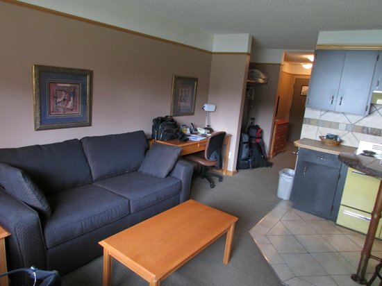 Best Western Jasper Inn & Suites: Living room area