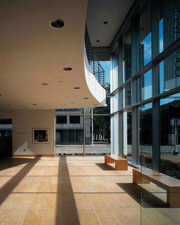 Dubuque Museum of Art: DUMA Lobby