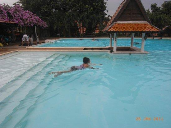 Crystal Clear Thailand: Заплыв 200 метров в курсе OWD