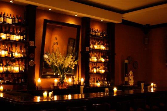 El Rincon de Alex: Great Cozy Bar