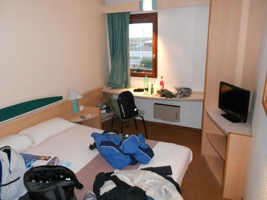 EGG Hôtel Gonesse  : room