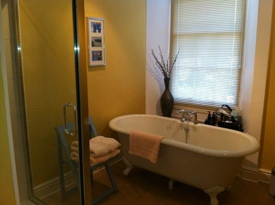 The Old Parsonage: fab roll-top bath!