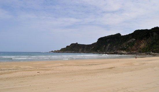 Casona la Sierra: Playa de San Pedro de la Ribera