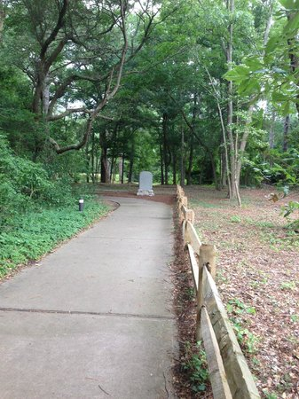 Fort Raleigh National Historic Site: Path towards theater