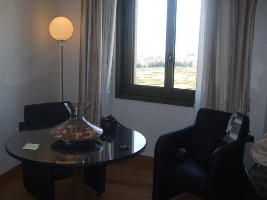Hotel Royal Caserta: Salottino con vista