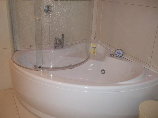 Hotel Royal Caserta: vasca idromassaggio