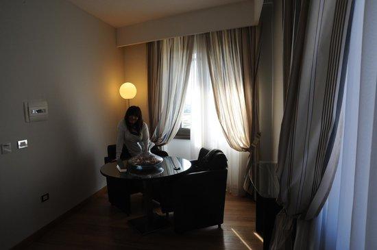 Hotel Royal Caserta: Salottino