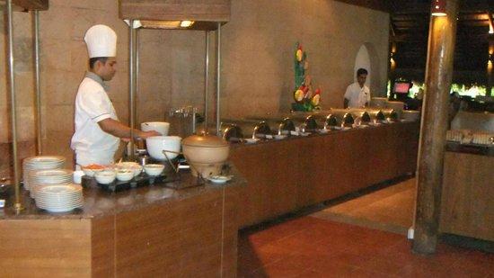 Kuramathi Island Resort: Dining area - restaurant b