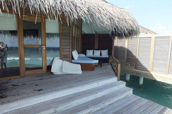 Kuramathi Island Resort: Water villa with jacuzzi deck