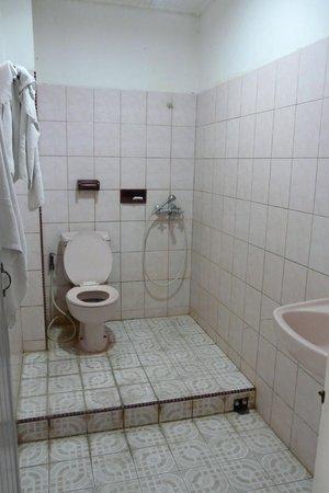 Lima's hotel: salle de bain