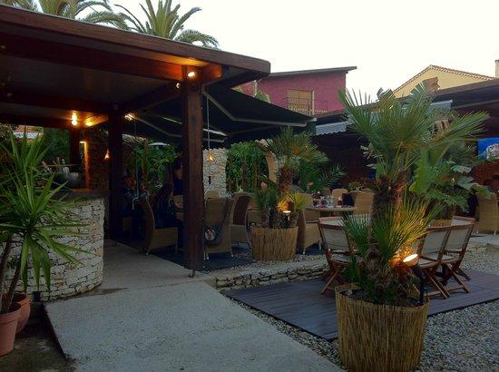 L'Auberge du Pecheur: Le restaurant extérieur