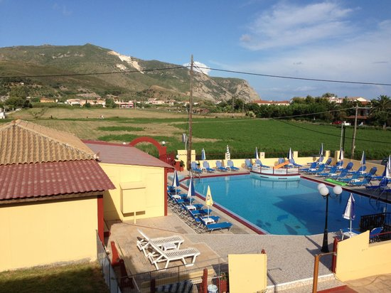 Dionysis & Tonia Studios: Our rooms pool view