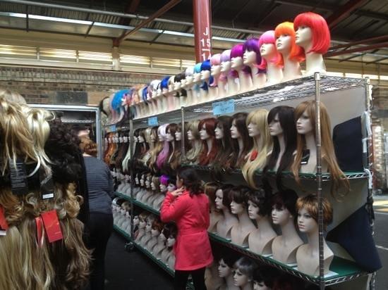 Queen Victoria Market: wig