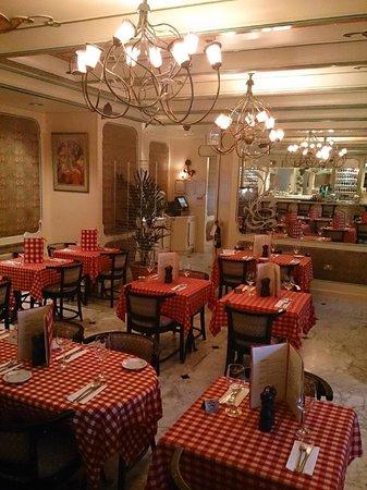 Le Beaujolais : main dining