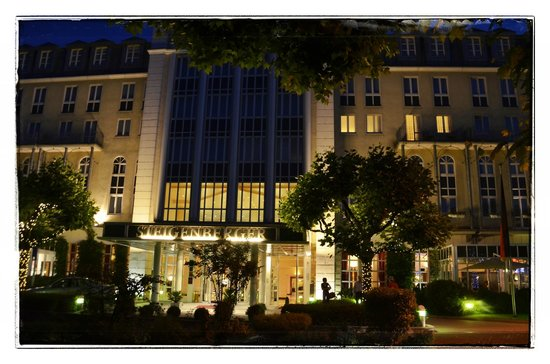 Steigenberger Hotel Bad Homburg: This is the hotel, that you can see in the evening. This is a class hotel