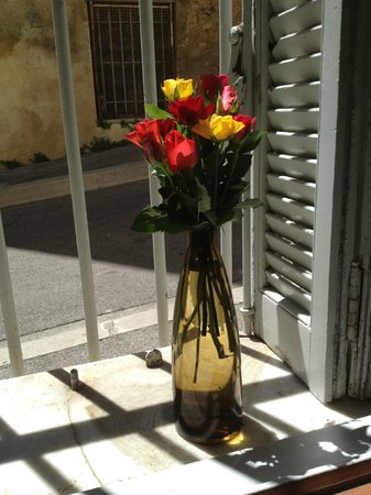 Precheurs Studios : Flowers from the landlord - so sweet!