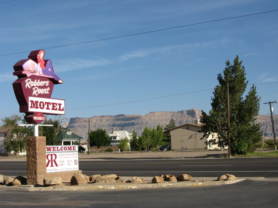 Robbers Roost Motel: Robbers roost