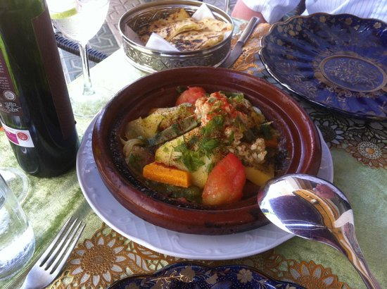 Oasis of Marrakesh: Tagine of chicken and vegetables
