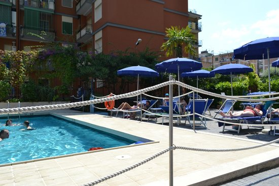 Santa Tecla ApartHotel: Вид из номера