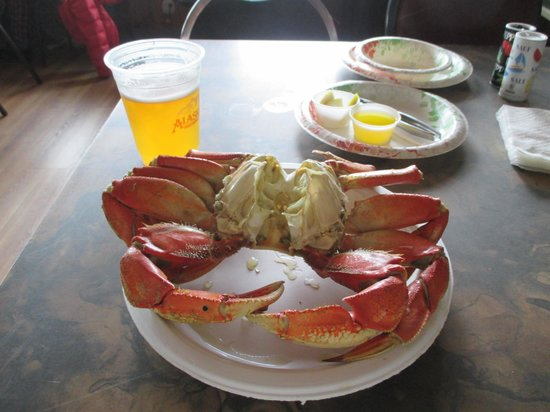 The Office Bar: crab lunch!