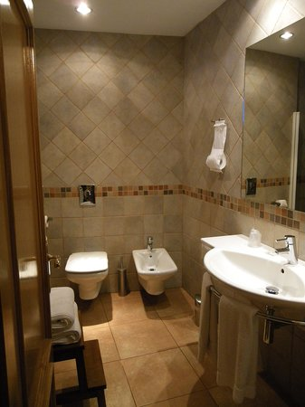Casa Rural Higeralde: Baño