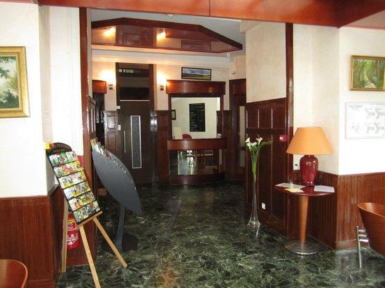Hotel Beausejour: Accueil de l'Hôtel
