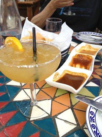 Mezcal Bistro & Bar: margaritas and salsa